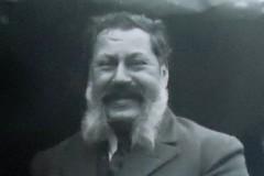 GÄLLER-Papo-Närbild-1926