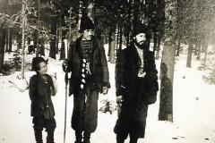 GÄLLER-Papo-och-hans-bror-Vanea-i-Finland-1898.-1.